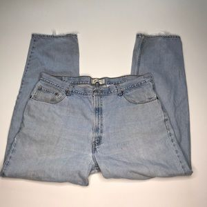 Levi's 550 Light Wash W42 L22 Broken In Jeans